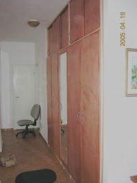 szekrény egyedi ajtókkal - abutorasztalos.hu