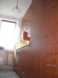 panel beépített konyha - abutorasztalos.hu