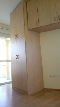 szögben álló beéíptett szekrény- abutorasztalos.hu