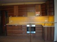 vízszintes mintás beépített konyha- abutorasztalos.hu