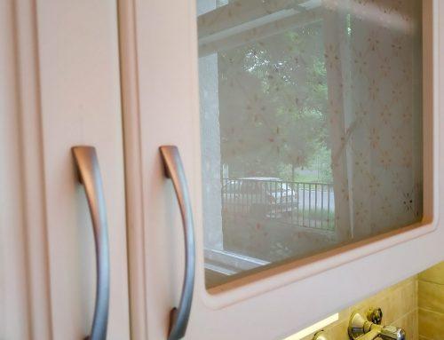 Konyhabútor mintás ajtókkal