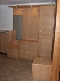 egyedi méretű előszoba szekrény - abutorasztalos.hu