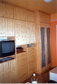 matt üveg betétes beépített szekrény- abutorasztalos.hu