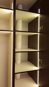 beépített szekrény belső világítás - abutorasztalos.hu